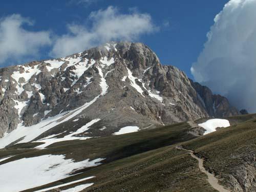 Foto: lobivia / Wander Tour / Wandertage Abruzzen: Etappe 4 Pietracamela - Campo Imperatore / Corno Grande / 20.07.2008 15:09:46