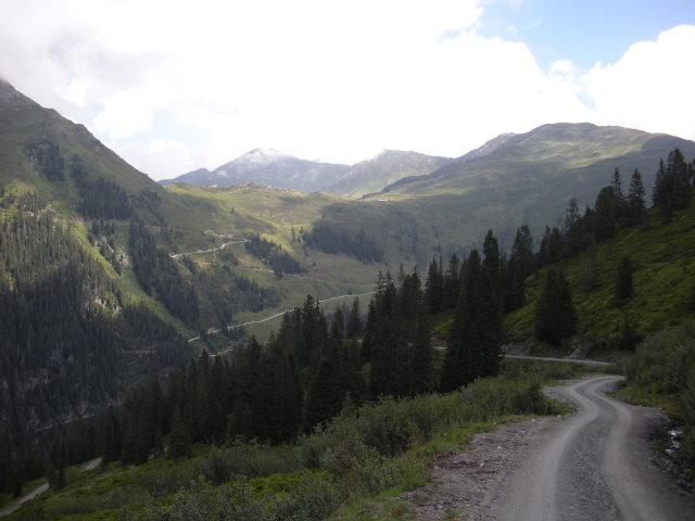 Foto: mark1980 / Mountainbike Tour / Märzengrund - Lab Hochalm / Blick zur Otto-Leixl-Hütte vor dem Großen Beil 2309m links und rechts davon das Sonnjoch 2287m / 05.08.2008 17:26:17
