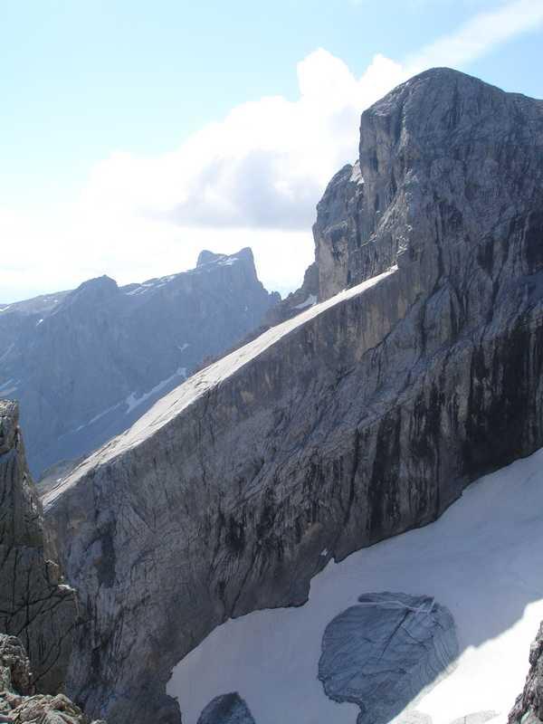 Foto: balu_fds / Klettersteig Tour / Klettersteig Blodigrinne auf die Drusenfluh / Aussicht zum Eistobel und die Sporaplatte oberhalb der Gamsfreiheit / 23.08.2008 20:58:30