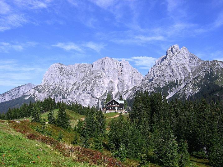 Foto: Andreas Koller / Wander Tour / Mödlinger Hütte und Pfarrmauer (1995 m) / Mödlinger Hütte vor der Reichensteingruppe / 08.09.2008 22:23:19