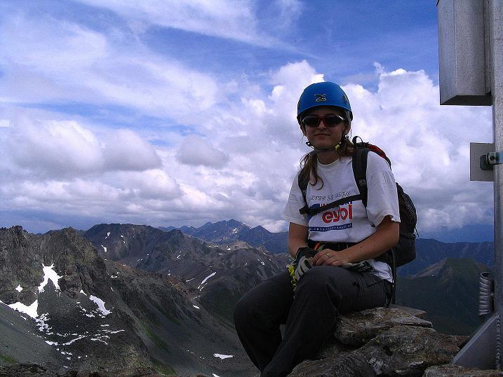 Foto: Andreas Koller / Klettersteig Tour / Flimspitze Klettersteig (2929m) / Rast unterm Gipfelkreuz / 08.09.2008 23:10:01