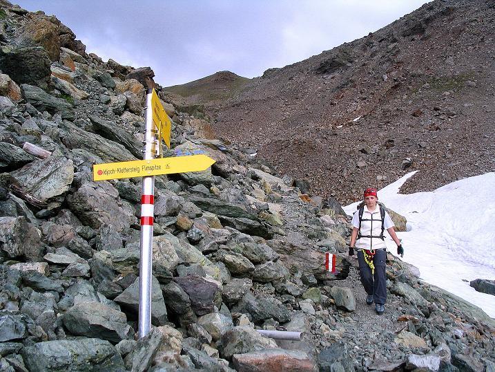 Foto: Andreas Koller / Klettersteig Tour / Flimspitze Klettersteig (2929m) / Wegweiser zum Viderjoch / 08.09.2008 23:06:52