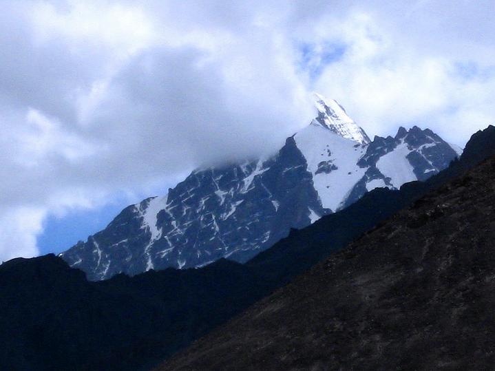Foto: Andreas Koller / Wander Tour / Choklamsar Ri (4000m) - Akklimatisationstour über Leh / Der Stok Kangri (6140 m) / 08.09.2008 23:50:14