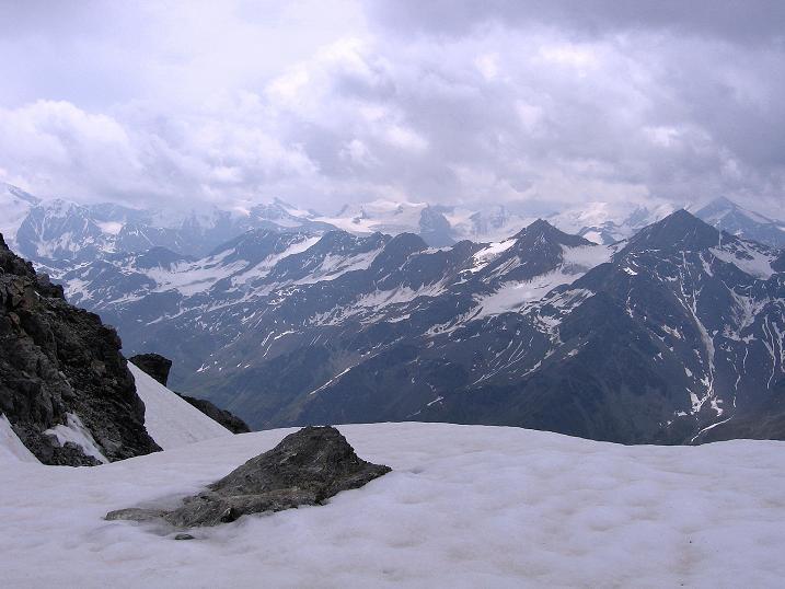 Foto: Andreas Koller / Wander Tour / Vom Monte Livrio auf die Hohe Schneide (3434m) / Blick vom Passo di Sasso Rotondo in die südliche Ortlergruppe / 09.09.2008 23:10:50