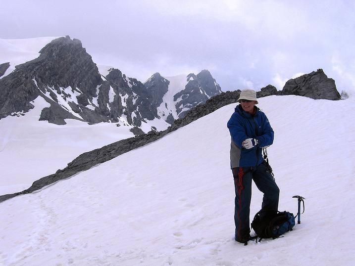 Foto: Andreas Koller / Wander Tour / Vom Monte Livrio auf die Hohe Schneide (3434m) / Am Grat gegen die benachbarte Payerspitze (3446 m) und die Kristallspitze (3480 m) / 09.09.2008 23:09:00