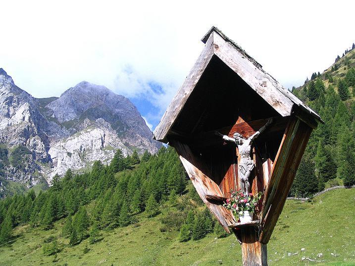 Foto: Andreas Koller / Klettersteig Tour / Via Sartor auf den Hochweißstein / Monte Peralba (2694m) / Wegmarterl bei der Frohnalm / 10.09.2008 00:12:40