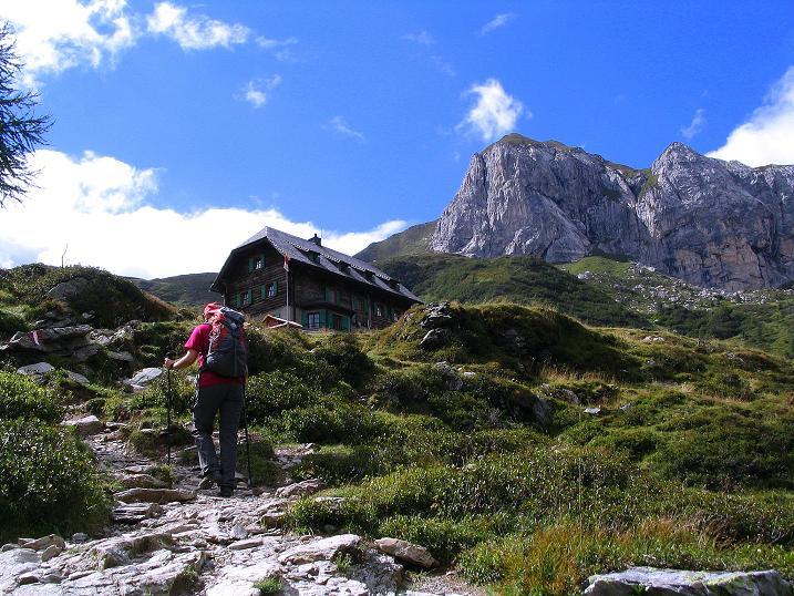 Foto: Andreas Koller / Klettersteig Tour / Via Sartor auf den Hochweißstein / Monte Peralba (2694m) / Bald ist das Hochweißsteinhaus erreicht / 10.09.2008 00:12:19