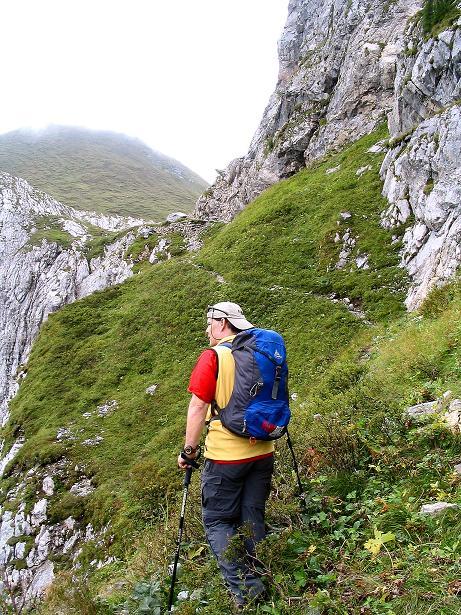 Foto: Andreas Koller / Klettersteig Tour / Via Sartor auf den Hochweißstein / Monte Peralba (2694m) / Anstieg ins Hochalpjoch / 10.09.2008 00:10:47
