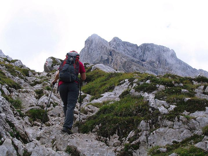 Foto: Andreas Koller / Klettersteig Tour / Via Sartor auf den Hochweißstein / Monte Peralba (2694m) / Bald am Hochalpjoch und der Hochweißstein grüßt / 10.09.2008 00:10:05