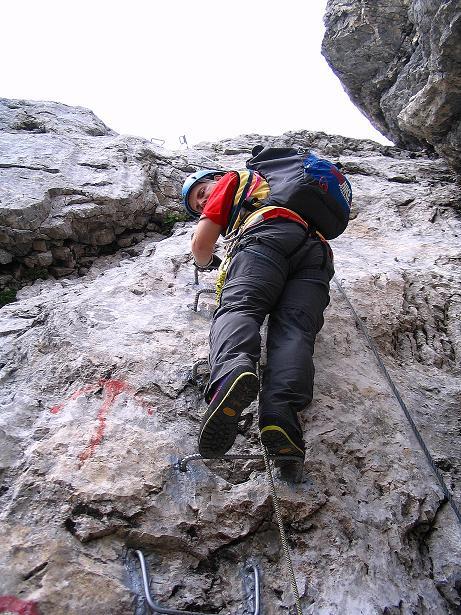 Foto: Andreas Koller / Klettersteig Tour / Via Sartor auf den Hochweißstein / Monte Peralba (2694m) / Steiler Einstieg in die Wand / 10.09.2008 00:05:35