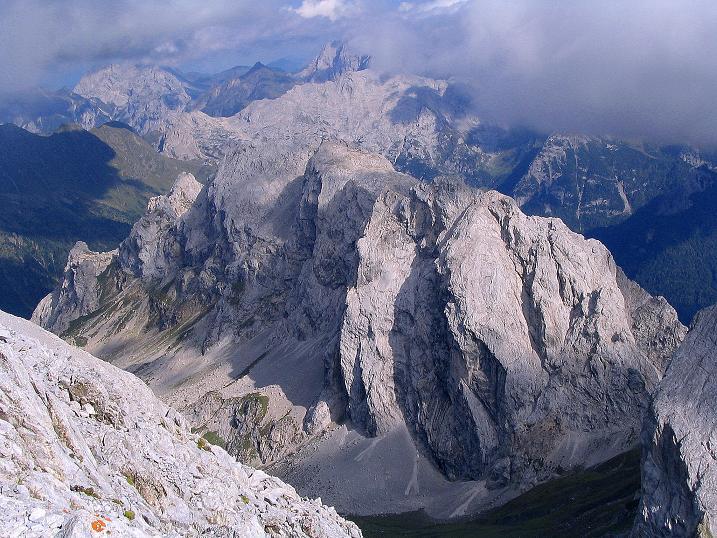 Foto: Andreas Koller / Klettersteig Tour / Via Sartor auf den Hochweißstein / Monte Peralba (2694m) / Blick nach O auf den Karnischen Hauptkamm / 09.09.2008 23:58:24