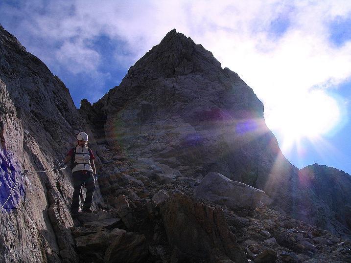 Foto: Andreas Koller / Klettersteig Tour / Via Sartor auf den Hochweißstein / Monte Peralba (2694m) / Steiler Abstieg ins Hochalpjoch / 09.09.2008 23:57:49
