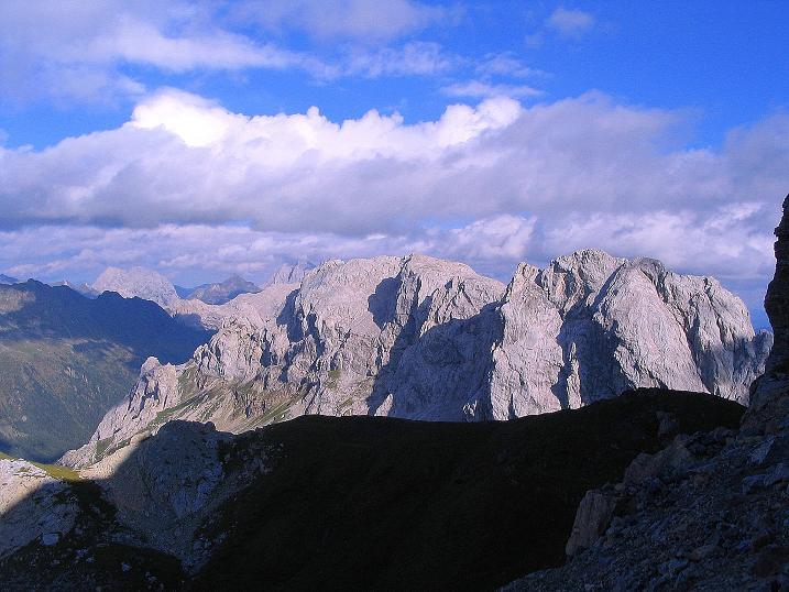 Foto: Andreas Koller / Klettersteig Tour / Via Sartor auf den Hochweißstein / Monte Peralba (2694m) / Blick nach O in den Karnischen Hauptkamm / 09.09.2008 23:56:44