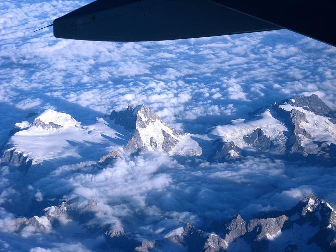 Foto: Andreas Koller / Wander Tour / Vom Stok Gompa auf den Stok Ri (5002m) / Himalayariesen im Anflug nach Leh / 10.09.2008 01:05:53