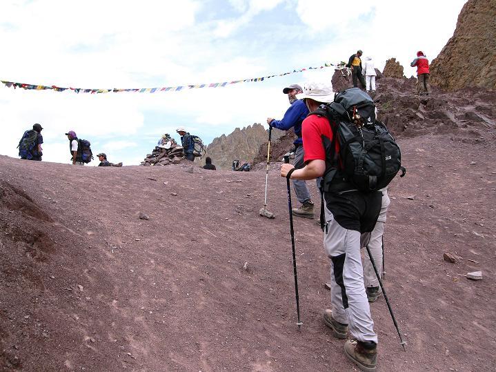 Foto: Andreas Koller / Wander Tour / Vom Stok Gompa auf den Stok Ri (5002m) / Die letzten Schritte zum Stok La / 10.09.2008 00:58:20