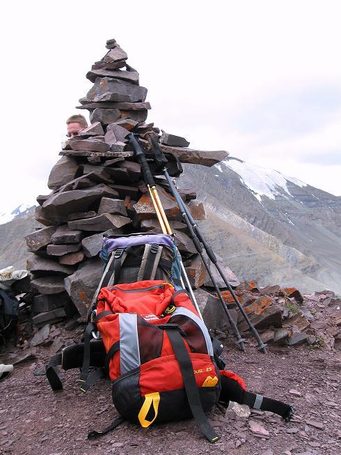 Foto: Andreas Koller / Wander Tour / Vom Stok Gompa auf den Stok Ri (5002m) / Steinmann am Stok Ri / 10.09.2008 00:55:22