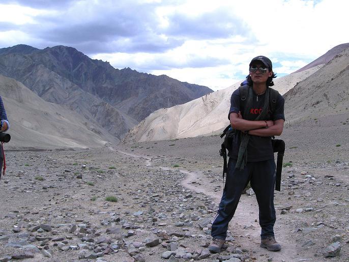 Foto: Andreas Koller / Wander Tour / Vom Stok Gompa auf den Stok Ri (5002m) / Die Oase von Rumbak ist nahe / 10.09.2008 00:50:57