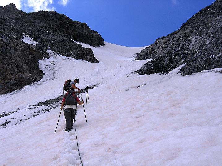 Foto: Andreas Koller / Wander Tour / Historische Tour auf die Payerspitze (3446m) / Annäherung an die Schneerinne / 11.09.2008 03:18:38