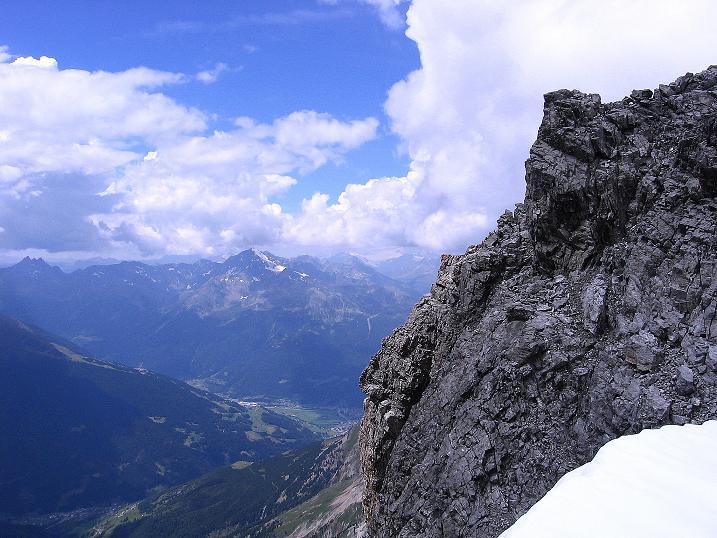 Foto: Andreas Koller / Wander Tour / Historische Tour auf die Payerspitze (3446m) / Blick ins Tal von Santa Caterina / 11.09.2008 03:15:08
