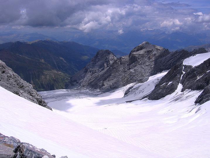 Foto: Andreas Koller / Wander Tour / Historische Tour auf die Payerspitze (3446m) / Der Madatschferner / 11.09.2008 03:14:15