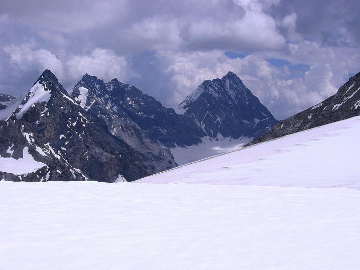 Foto: Andreas Koller / Wander Tour / Historische Tour auf die Payerspitze (3446m) / Blick auf die Königsspitze (3853 m) / 11.09.2008 03:07:22