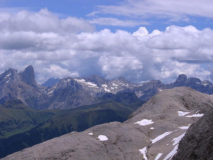Foto: Andreas Koller / Klettersteig Tour / Kesselkogel Westroute (3002m) / Blick aus dem Antermoia-Kar nach O zur Marmolada (3343 m) / 11.09.2008 23:24:00