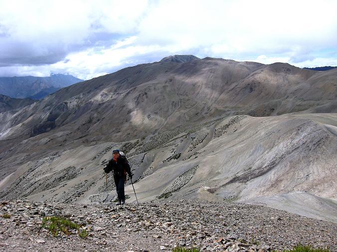 Foto: Andreas Koller / Wander Tour / Über den Ganda Ri (5113m) ins Markha Valley / Mühsamer Anstieg auf den Ganda Ri / 12.09.2008 00:14:09