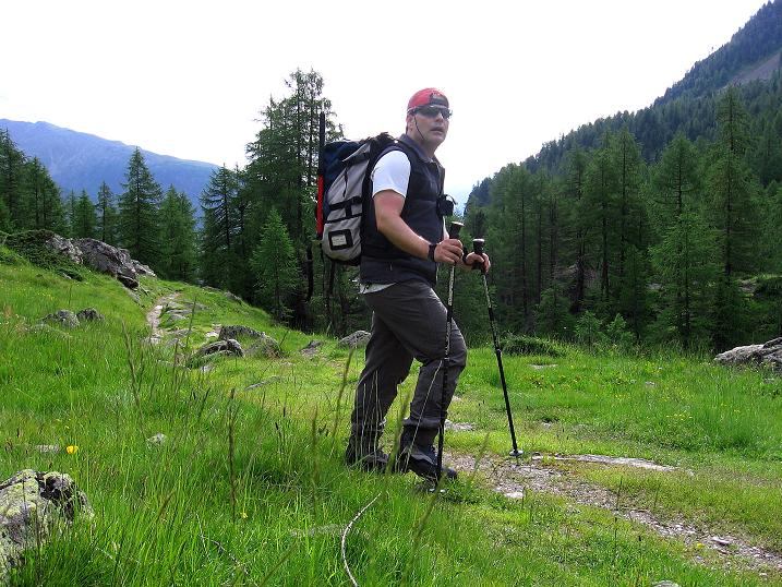 Foto: Andreas Koller / Wander Tour / Vom Grünsee auf die Zufrittspitze (3439m) / Start des Hüttenzustiegs ist beim Weißbrunnsee / 12.09.2008 00:52:26