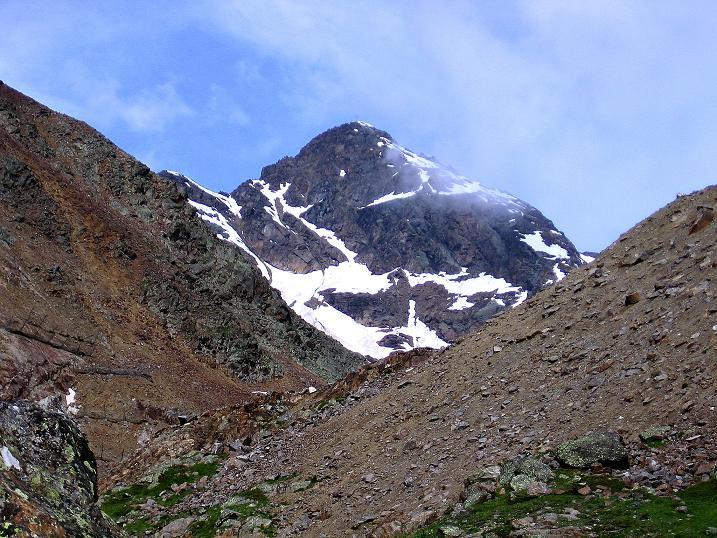 Foto: Andreas Koller / Wander Tour / Vom Grünsee auf die Zufrittspitze (3439m) / Wuchtig überragt die Hintere Eggenspitze das Ultental (3443 m) / 12.09.2008 00:51:22