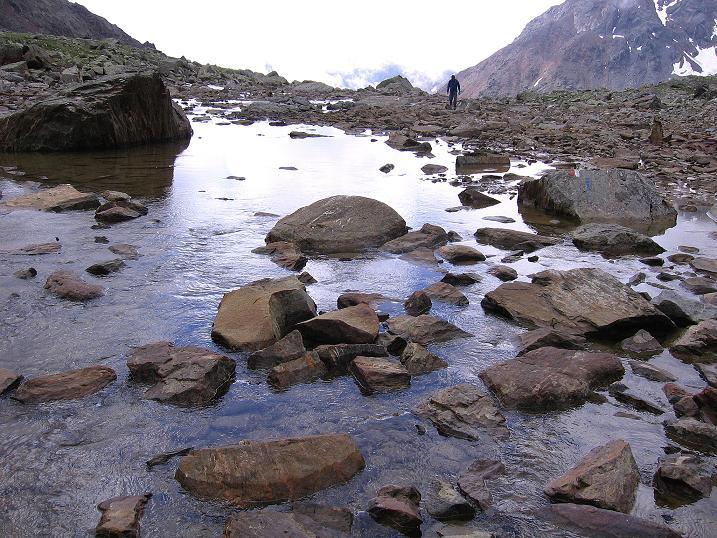 Foto: Andreas Koller / Wander Tour / Vom Grünsee auf die Zufrittspitze (3439m) / Schönes Kar mit Bach  / 12.09.2008 00:48:15