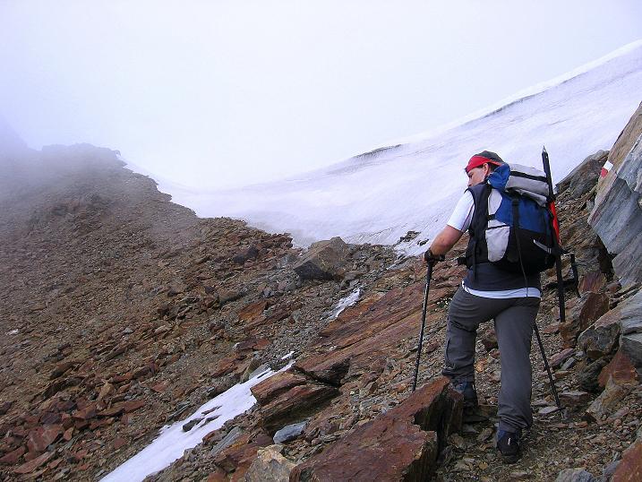Foto: Andreas Koller / Wander Tour / Vom Grünsee auf die Zufrittspitze (3439m) / Kurz unterhalb des Sattel / 12.09.2008 00:47:33
