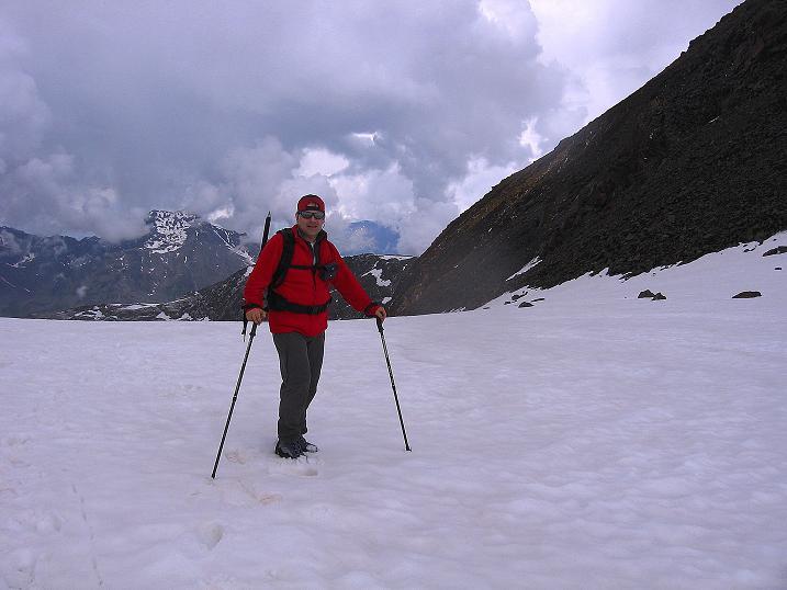 Foto: Andreas Koller / Wander Tour / Vom Grünsee auf die Zufrittspitze (3439m) / Am Zufrittferner / 12.09.2008 00:45:02
