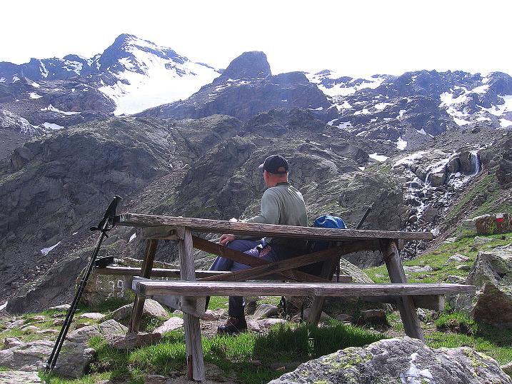 Foto: Andreas Koller / Wander Tour / Vom Grünsee auf die Zufrittspitze (3439m) / Rast unter der Eggenspitze / 12.09.2008 00:43:37