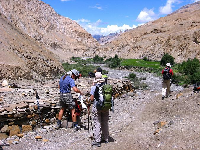 Foto: Andreas Koller / Wander Tour / Durch das Markha Valley nach Tachuntse (4406m) / Dem MArkha River entlang / 12.09.2008 01:26:14
