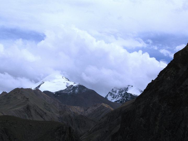 Foto: Andreas Koller / Wander Tour / Durch das Markha Valley nach Tachuntse (4406m) / Die 6000er der Nimaling-Berge / 12.09.2008 01:21:17
