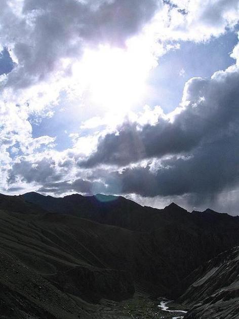 Foto: Andreas Koller / Wander Tour / Durch das Markha Valley nach Tachuntse (4406m) / Stimmungsvoll ist auch der Blick nach W / 12.09.2008 01:17:00