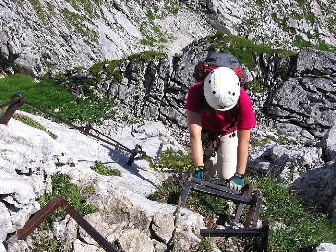 Foto: Andreas Koller / Klettersteig Tour / Alpspitze Ferrata und Überschreitung (2628m) / Luftig über Klemmen / 12.09.2008 15:47:59