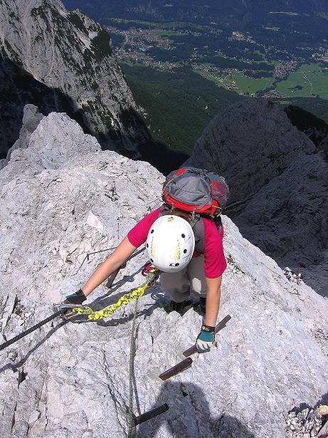 Foto: Andreas Koller / Klettersteig Tour / Alpspitze Ferrata und Überschreitung (2628m) / Steil & ausgesetzt zum W-Grat / 12.09.2008 15:44:34