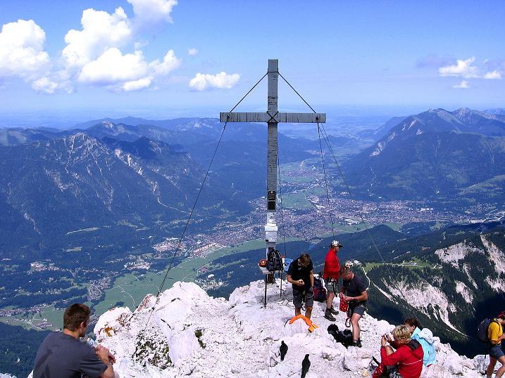 Foto: Andreas Koller / Klettersteig Tour / Alpspitze Ferrata und Überschreitung (2628m) / Alpspitz-Gipfelkreuz / 12.09.2008 15:41:50