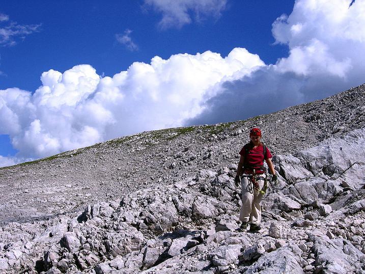 Foto: Andreas Koller / Klettersteig Tour / Alpspitze Ferrata und Überschreitung (2628m) / Im weiten NO-Kar / 12.09.2008 15:39:11