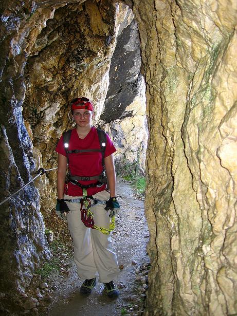 Foto: Andreas Koller / Klettersteig Tour / Alpspitze Ferrata und Überschreitung (2628m) / Passagen durch Höhlen am Nordwandsteig / 12.09.2008 15:38:23