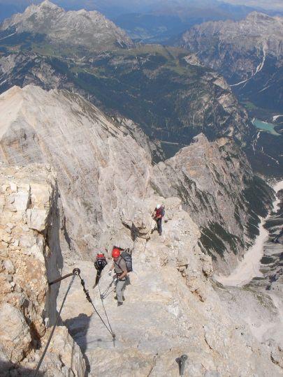 Foto: Manfred Karl / Klettersteig Tour / Via ferrata Marino Bianchi / Auf dem Grat nach der D-Stelle / 13.09.2008 14:58:32