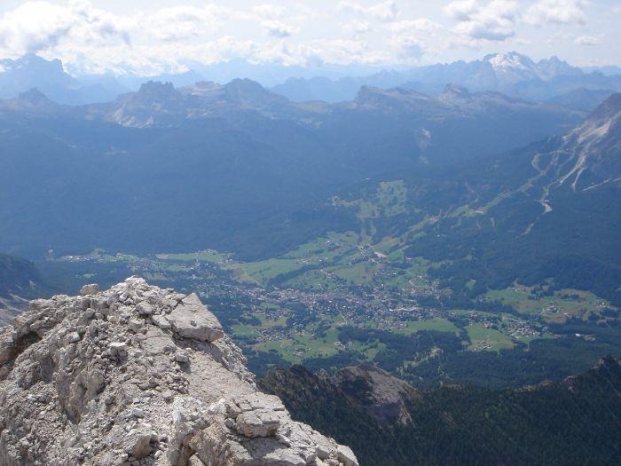 Foto: Manfred Karl / Klettersteig Tour / Via ferrata Marino Bianchi / Tiefblick auf Cortina / 13.09.2008 14:54:53