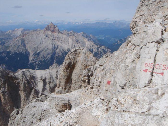 Foto: Manfred Karl / Klettersteig Tour / Via ferrata Marino Bianchi / Discesa (Abstieg): Der Abstiegsklettersteig, sinnvolle Alternative, weil schneller, leichter und ohne Stau. / 13.09.2008 14:54:04