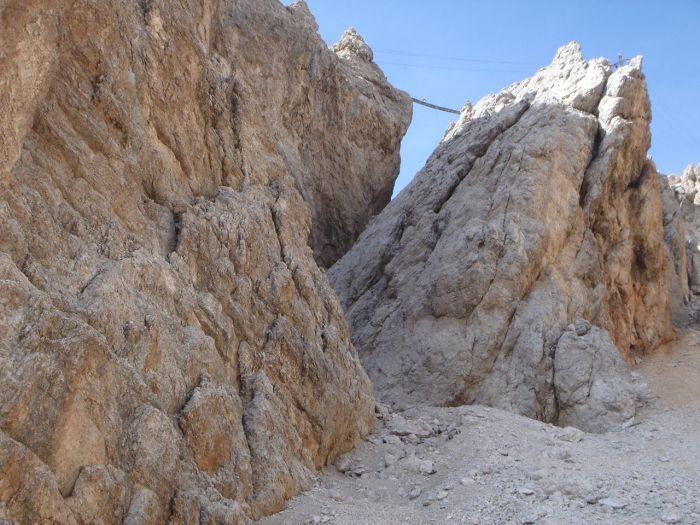 Foto: Manfred Karl / Klettersteig Tour / Via ferrata Marino Bianchi / Hängebrücke von unten / 13.09.2008 14:46:07
