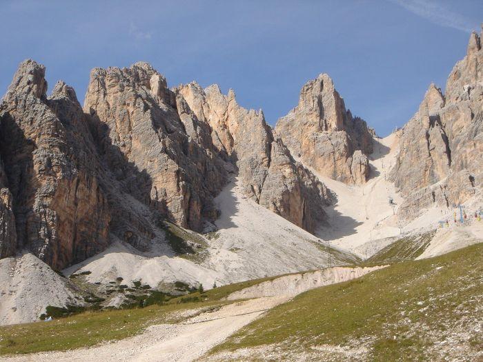 Foto: Manfred Karl / Klettersteig Tour / Via ferrata Marino Bianchi / Rückblick zur Forcella Staunies von der Mittelstation / 13.09.2008 14:45:38