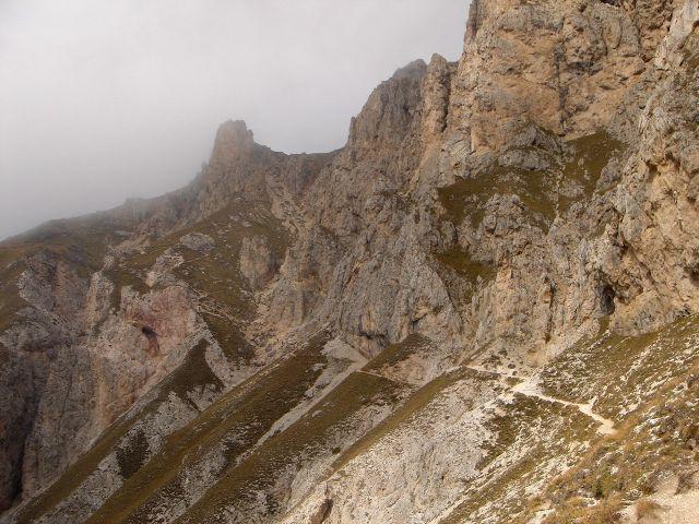 Foto: Manfred Karl / Klettersteig Tour / Über den Maximiliansteig auf die Roterdspitze / Steile Grasschrofenhänge unterhalb der Roterdspitze / 14.09.2008 10:35:44