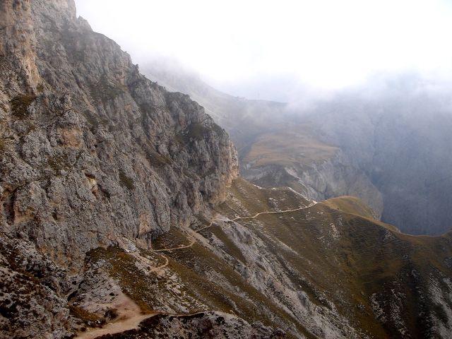 Foto: Manfred Karl / Klettersteig Tour / Über den Maximiliansteig auf die Roterdspitze / Der Weg zurück zum Tierser Alpl / 14.09.2008 10:36:41