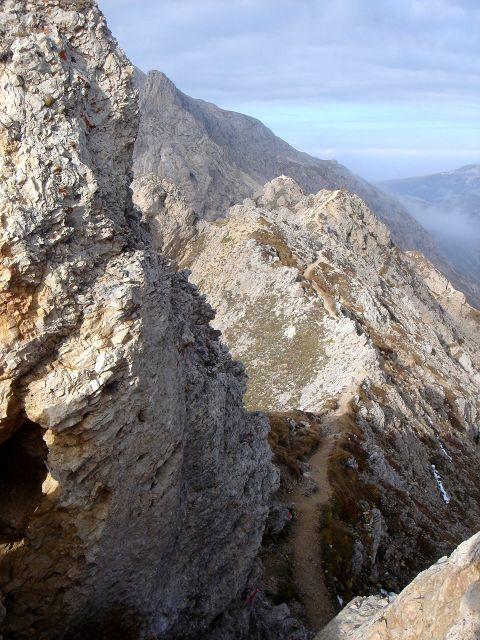 Foto: Manfred Karl / Klettersteig Tour / Über den Maximiliansteig auf die Roterdspitze / Oberhalb eines kurzen Kamines / 14.09.2008 10:41:47