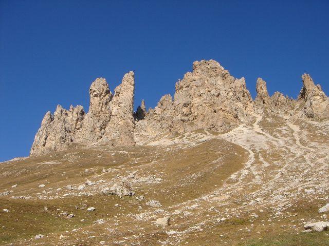 Foto: Manfred Karl / Klettersteig Tour / Laurenzisteig auf den Mittleren Molignon / Roßzähne beim Aufstieg zum Tierser Alpl / 14.09.2008 11:41:59
